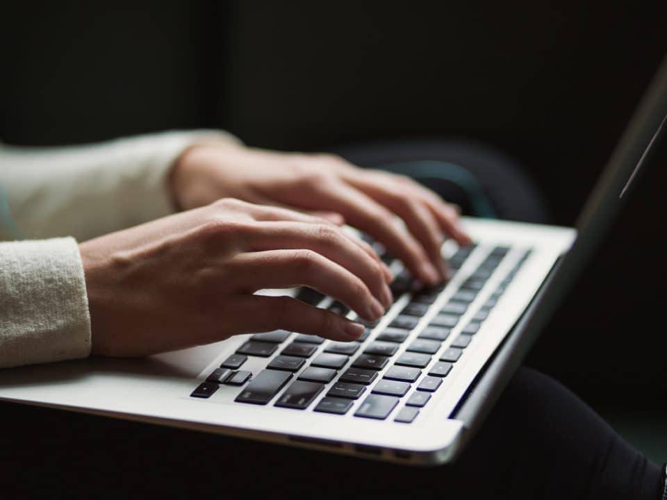 Kirjoita Terveisiä työelämästä -blogisarjaan